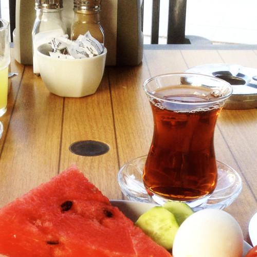 boat-breakfast-01